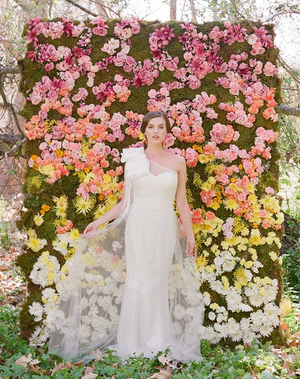 Your wedding colors blog compare wedding flowers with wedding gowns weddingflowerswall solutioingenieria Image collections